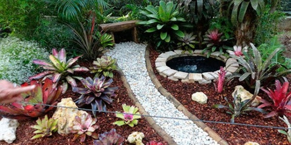 How to make a decorative garden with aggregates or crushed?